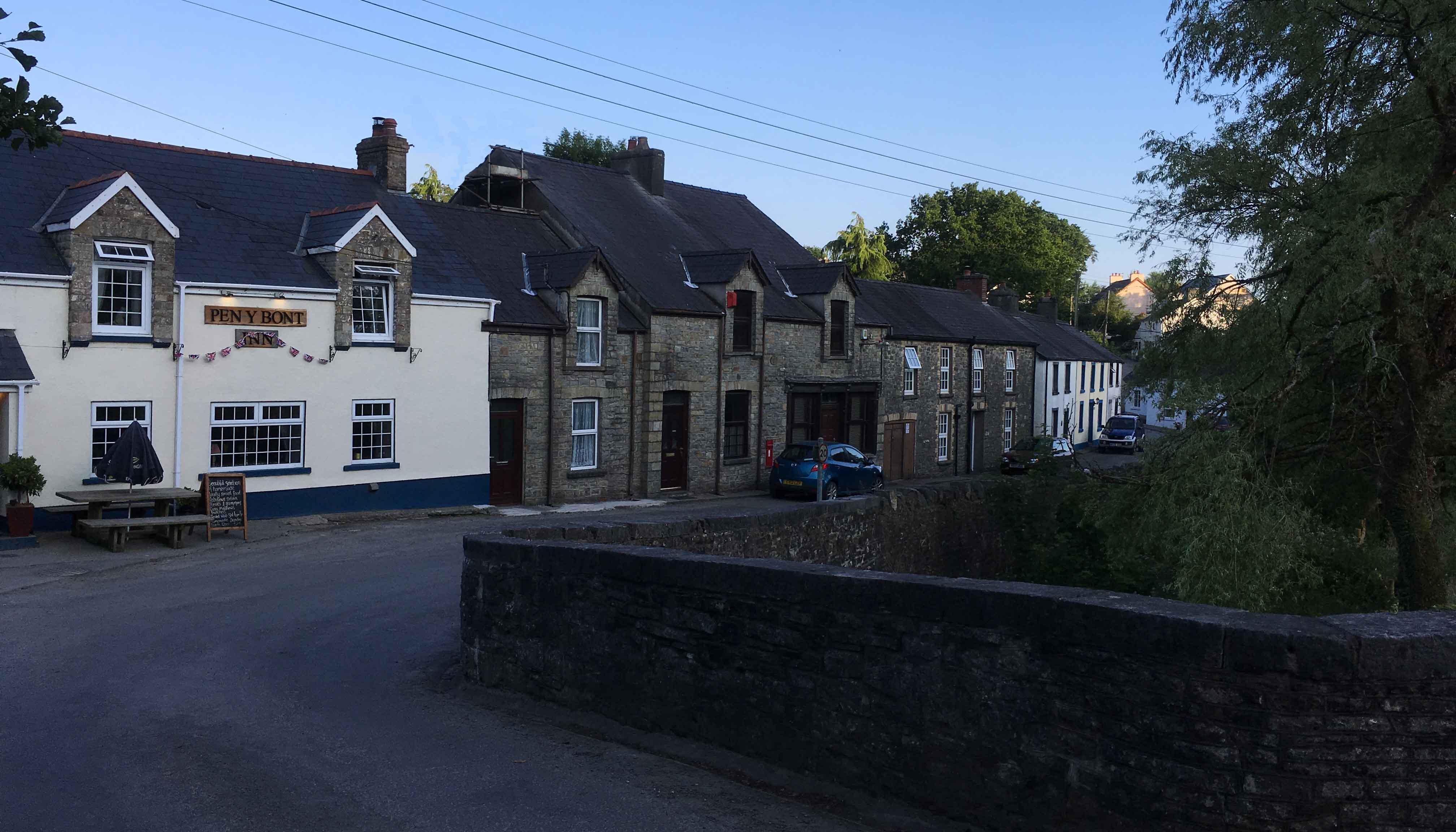 Llanfynydd-village-centre-Carmarthenshire